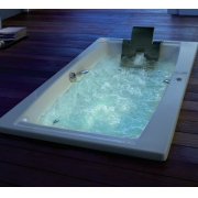 Акриловая ванна QUATTRO 180х100 см.